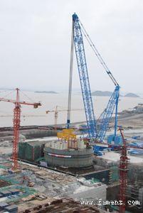 三门核电站一号机组核岛CA01模块成功吊装就位