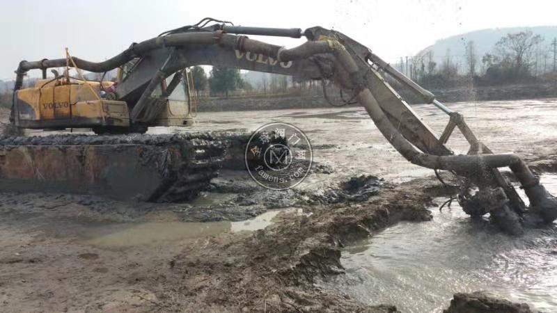 中國首臺挖掘機清淤泵-液壓直驅耐磨泥漿泵