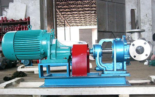 流量:240L/h,压力:1.0Mpa用NYP-7-RU-T2-W51高粘度泵配电机:XWD1.1KW-3-23做聚氨酯供料泵