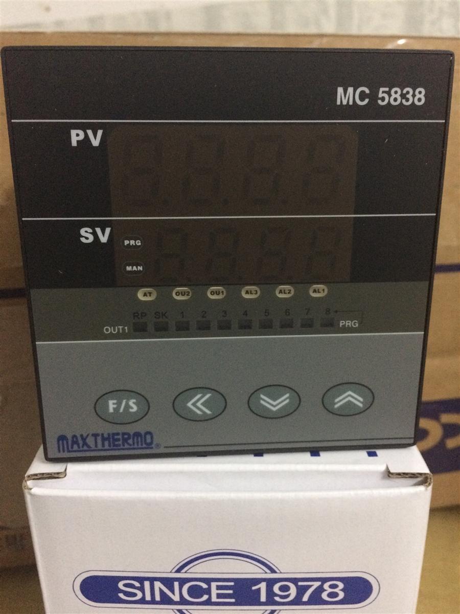 極大溫控器MC-7402