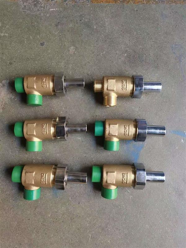 外螺紋青銅直角液體安全閥CB/T907-94